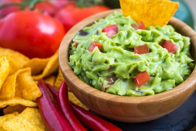 Receta de guacamole con queso