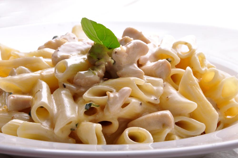 Receta de macarrones con nata cremosos y deliciosos - Como hacer nata para cocinar ...