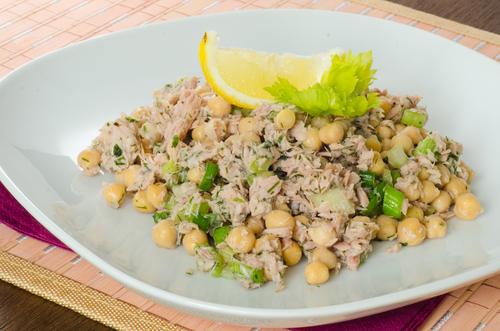 Receta de ensalada de garbanzos con atún