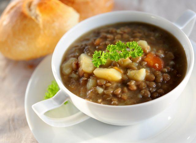 Receta de lentejas con chorizo y patatas