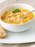 Receta de sopa de pollo con fideos