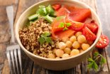 ensalada de garbanzos con surimi