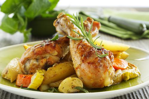 Receta de muslos de pollo al horno con patatas