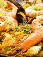 Receta de paella de marisco con almejas y mejillones
