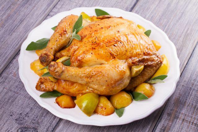 Receta de pollo al horno relleno de manzana