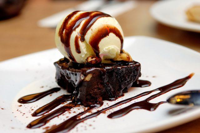 Receta de brownie con helado