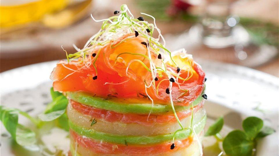 Receta de timbal de salm n ahumado con aguacate y queso - Ensalada de aguacate y salmon ahumado ...