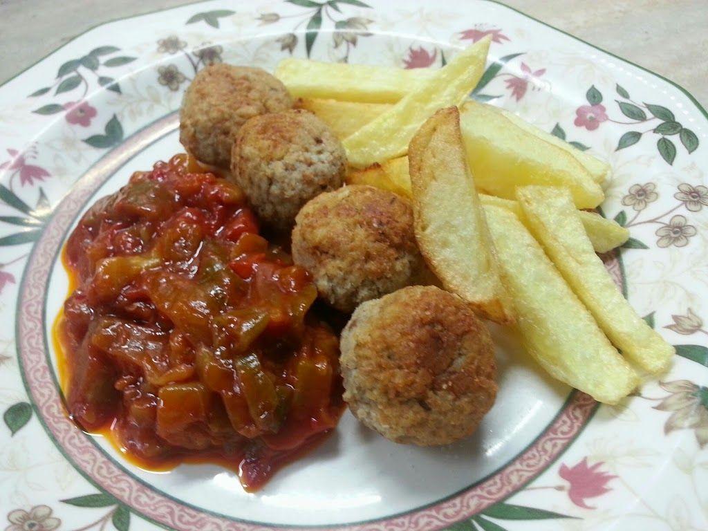 Receta de alb ndigas en salsa con patatas - Albondigas de patata ...