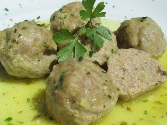 Receta de albóndigas en salsa verde