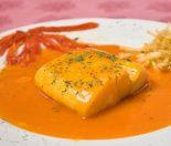 Receta de bacalao con tomate y bechamel