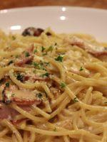 Receta de espaguetis a la carbonara con huevo