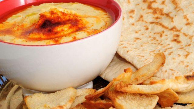 Receta de hummus con pan de pita