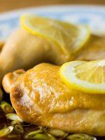 Muslos de pollo al horno con limón