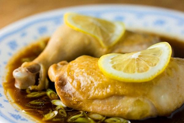 Receta de muslos de pollo al horno con limón