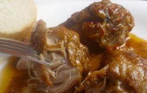 Receta de muslos de pollo al horno con salmorejo canario