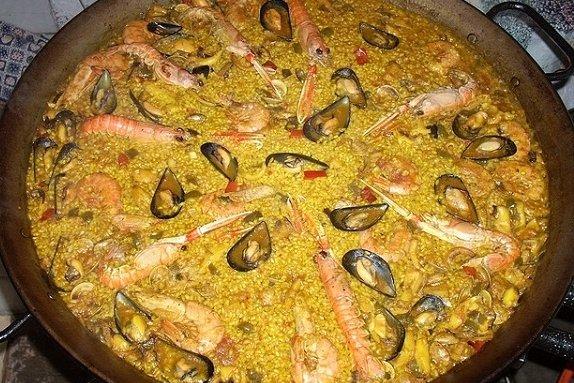Receta de paella de marisco con atún