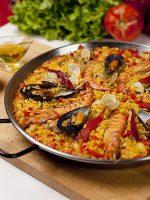 Receta de paella de marisco con bacalao