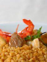Receta de paella de marisco con conejo