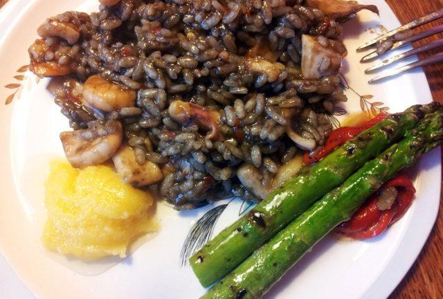 Receta de arroz negro catalán