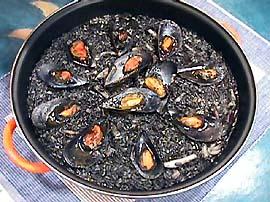 Receta de arroz negro valenciano