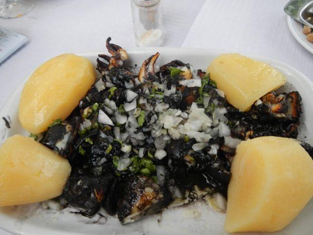 Receta de calamares en su tinta con patatas