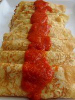 Receta de crepes con salsa roja