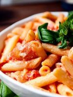 Receta de ensalada de pasta con salsa rosa