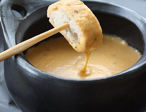Receta de fondue de queso