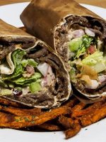 Kebab con patatas