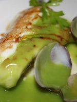 Merluza a la marinera con salsa verde
