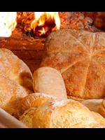 Pan casero en horno de leña