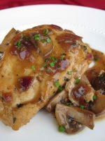 Pollo al ajillo con champiñones