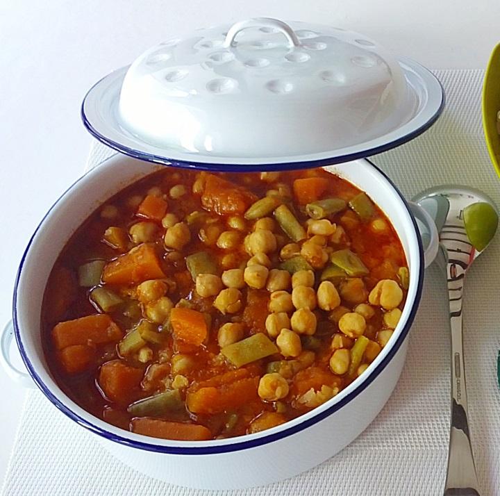 Receta de potaje de garbanzos andaluz - Potaje de garbanzos y judias ...