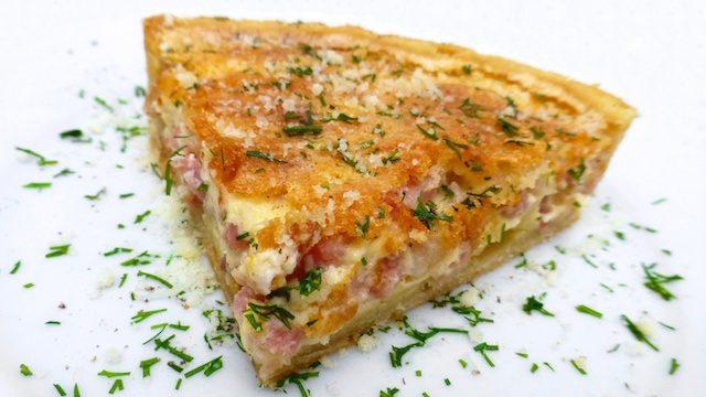 Receta de quiche lorraine de verduras asadas, beicon y queso