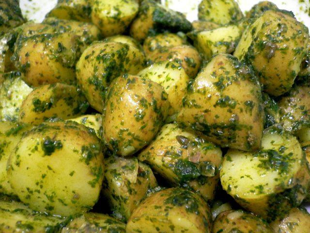 Receta de salsa verde con patatas