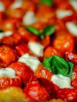 Receta de tarta tatin de tomate y queso fresco