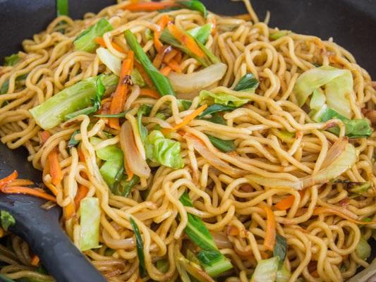 Receta de yakisoba con verduras
