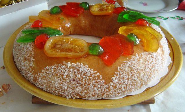 Receta de roscón de reyes con frutas escarchadas