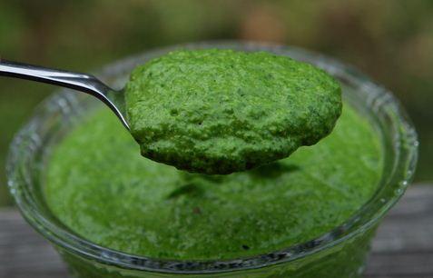 Receta de salsa verde de albahaca