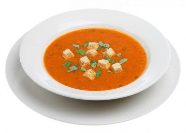 Receta de sopa de ajo con tomate