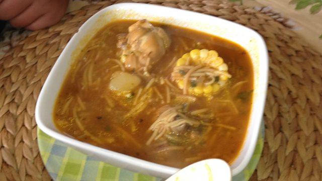Receta de sopa de pollo a la criolla