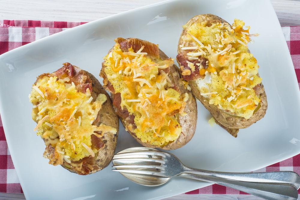 Receta de patatas al horno rellenas de carne picada - Carnes rellenas al horno ...