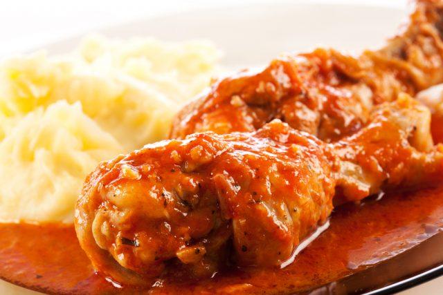 Receta de pollo frito con tomate