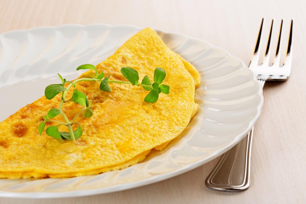 Receta de tortilla francesa con atún - Unareceta.com