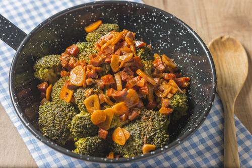 Receta de brócoli con jamón