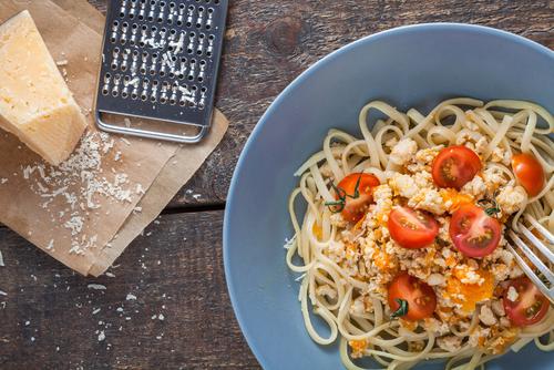 Receta de espaguetis al pesto rojo