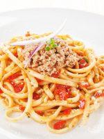 Receta de espaguetis con tomate y atún