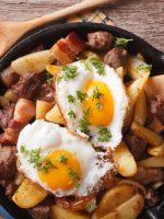 Receta de huevos estrellados con patatas y jamón