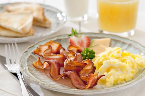 Receta De Huevos Revueltos Con Bacon Unarecetacom