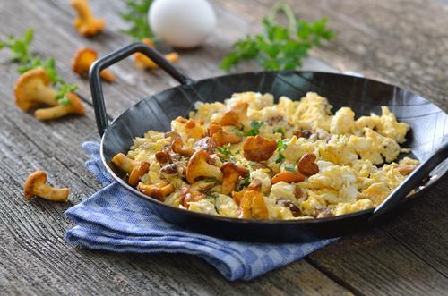 Receta de huevos revueltos con setas